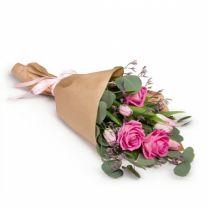 Anyáknapi rózsacsokrok szállítása országosan