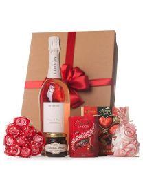 Valentin napi ajándék finomságokkal