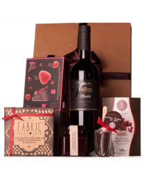 Ajándékküldés - Ajándékcsomag pirosgyümölcsös finomságokkal