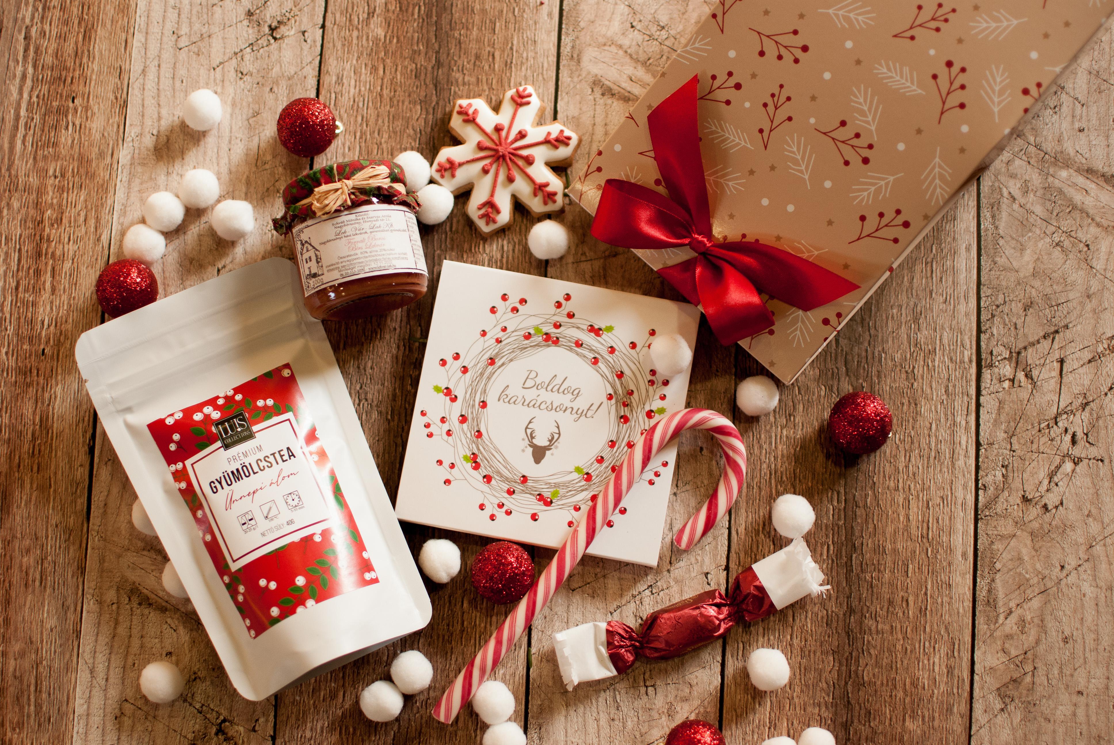 Karácsonyi hangulatú ajándékcsomagok